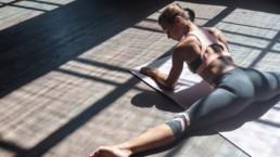 Comment assouplir l'ouverture des jambes pas à pas et sans douleur