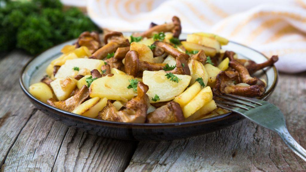 Pommes de terre aux champignons et aux châtaignes