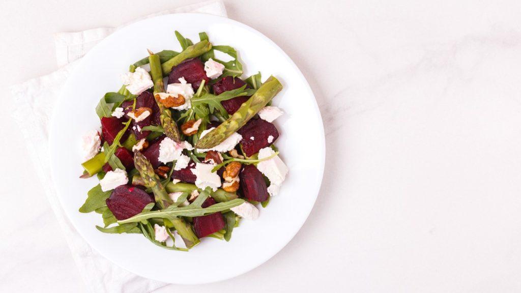 Salade de betteraves et d'asperges