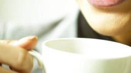 La pleine présence lors de la pause thé ou café