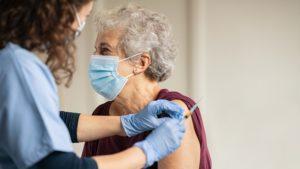 Des essais cliniques aux Etats-Unis révèlent la sécurité et l'efficacité du vaccin AstraZeneca