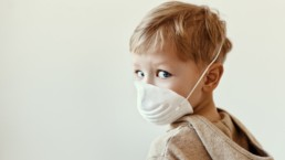 Le vaccin contre la COVID19 chez les enfants sera bientôt disponible